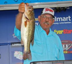 Top co-angler Benny Aylor caught all of his fish over deep structure.
