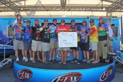 The top-10 finishers show their support for FLW fan Lane Goodwin.
