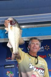 Larry Byrd had the Big Bass on the pro side, a 5-10.