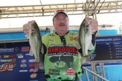 Despite a big decline in productivity, Clint Farris managed to hold on to the co-angler lead.