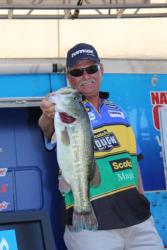 Tommy Durham missed the final-round cut, but he his 7-pound, 4-ounce bass was the day