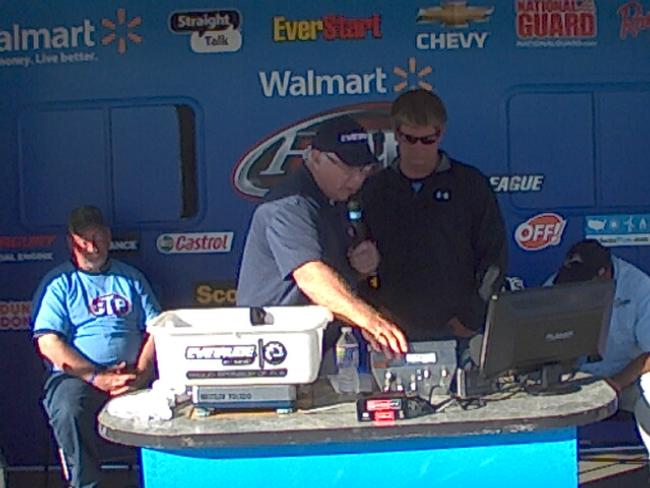 Flw fishing bass fishing league 2012 cherokee lake for How much are fishing license at walmart