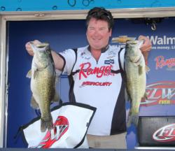 Fifth-place pro  Buz Craft employed a mix of crankbaits and wacky-rigged worms on day one.