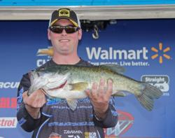 Darren Scott leads the co-angler field with 18-11.