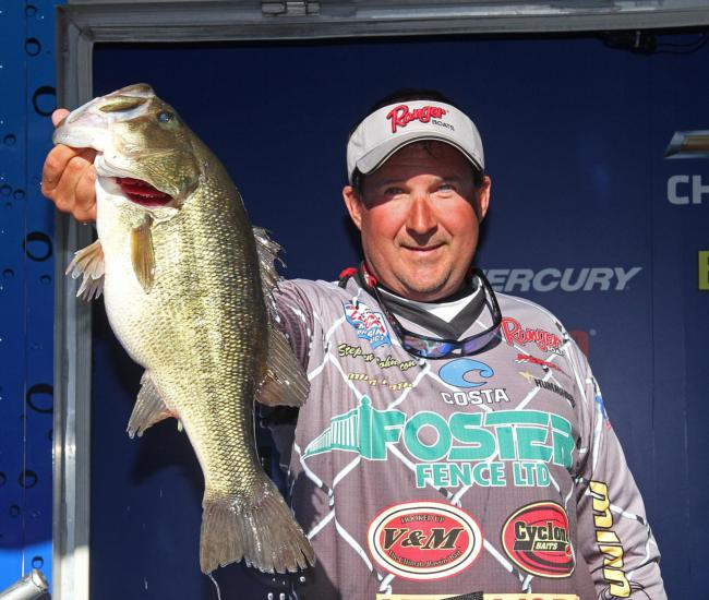 Local favorite Stephen Johnston overcame a slow start and ended up in third place.