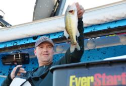 Co-angler Joseph Letsinger of Sacramento, Calif., finished the Lake Roosevelt event in fifth place overall after landing a total catch weighing 19 pounds, 4 ounces