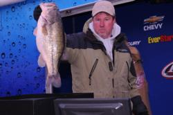 Marty Giddens of Alpine, Ala., is in third place after day one with 28-1.