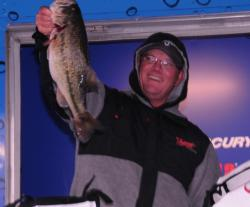 Robert Boyd of Russellville, Ala., finished fourth with a three-day total of 76 pounds, 5 ounces.