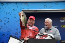 Dave Hasty of Toledo, Ohio caught the largest weight on the co-angler division on the final day with three bass for 10-4. His total weight for the week was 23-10 earning him a check for over $3,500.