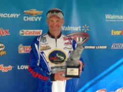 Co-angler Dan Clark of Cleveland, Tenn., won the April 6 Choo Choo Division event on Lake Guntersville with a 25-pound, 11-ounce limit of bass. For his efforts he won over $2,200 in prize money.