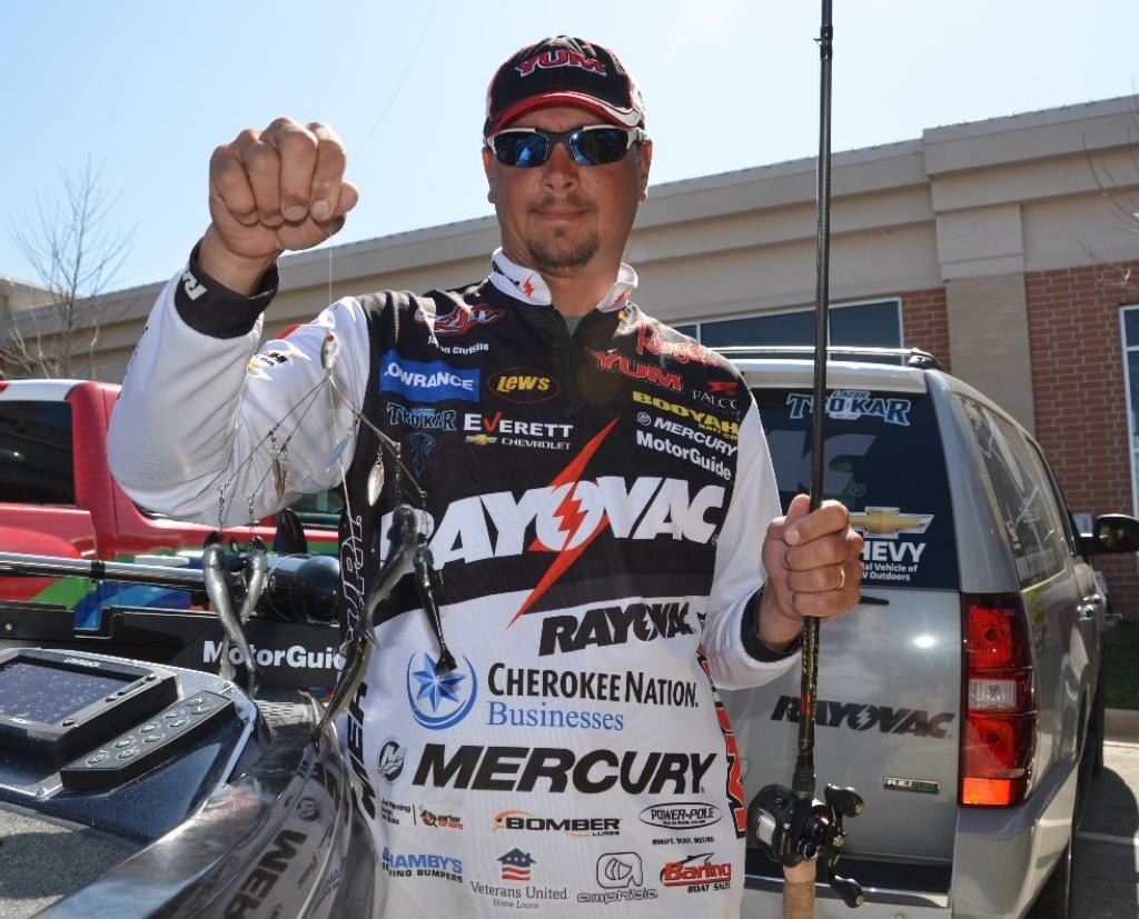 Christie gets redemption flw tour title on beaver flw for Jason christie fishing