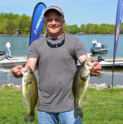 Dennis Burdette holds on to his co-angler lead with 23-6 overall.