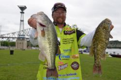 Straight Talk Wireless pro J.T. Kenney of Palm Bay, Fla., parlayed a 21-pound, 1-ounce catch into a 13th-place finish on Pickwick Lake after day one.