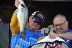Using a total catch of 62 pounds, 8 ounces, Walmart team pro Mark Rose of West Memphis, Ark., finished in fifth place overall on Pickwick Lake.