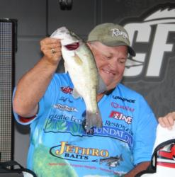 Jeff Fitts of Keystone Heights, Fla., finished third with a three-day total of 54 pounds, 11 ounces worth $7,240.