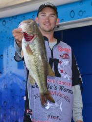 Third-place co-angler Bryan New holds up a nice Lake Eufaula largemouth.