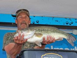 This 8-pound, 14-ounce bass pushed John Browning into the co-angler lead.