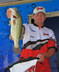 Bryan Schmitt stuck with his homemade jig throughout the tournament.
