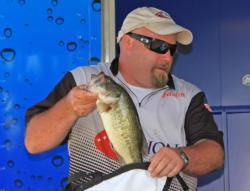 Third-place pro  Jason Tibbetts fished a shaky head over deep structure.