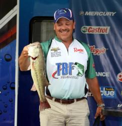 Dragging Texas-rigged plastics in deep water put Nick Angiulo atop the co-angler division.