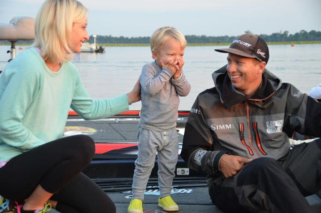 Keystone Light pro Brent Ehrler shares a quick moment with his wife and 2-year-old son Oliver shortly before takeoff.