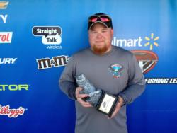 Co-angler Eric Gates of Laurel, Ind., won the Sept. 7-8 Buckeye Division Super Tournament on the Ohio River with a two-day total weight 10 pounds, 10 ounces. Despite weighing only eight bass over two days, Gates still took home the top prize of over $2,200.