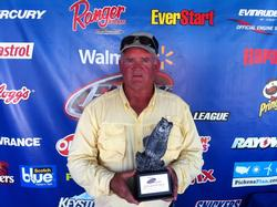 Co-angler Bill Nicely of Warrenton, Va., won the Sept. 21-22 Shenandoah Division Super Tournament on the Potomac River with nine fish over two days weighing 22 pounds, 12 ounces. He walked away with nearly $2,700 in tournament winnings.