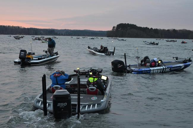 2011 Lake Hartwell champion Jason Christie makes his way to the takeoff boat.