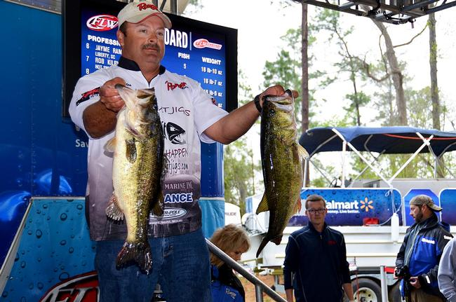 Rick Cotten jumped out to an early lead at Sam Rayburn with 25 pounds, 15 ounces.