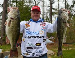 Walmart pro Mark Rose shows off part of his 23-pound, 14-ounce limit that put him in third place after day one.