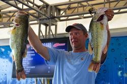 Steve Kennedy cracked 21-12 on day two to move into second place.
