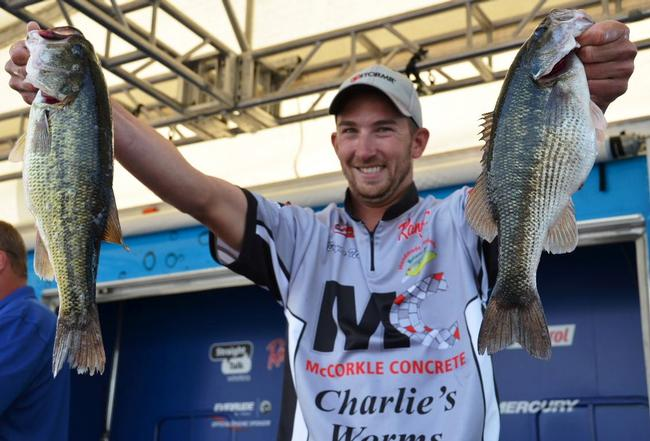 Co-angler Bryan New sacked 12-10 on day two putting him in the top spot with a total weight of 18-12.