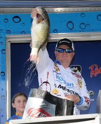 Mark Rose of West Memphis, Ark., finished runner-up with a three-day total of 76 pounds, 9 ounces.