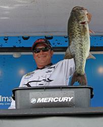 A 10-pound, 1-ounce bass was Roy Hawk