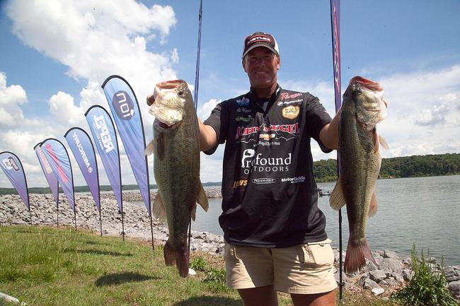 Always in contention on the Tennessee River, pro Randy Haynes is less than 2 pounds off the lead after two days of fishing.