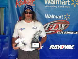 Co-angler Richard Jordan of Muncy Valley, Pa., won the May 31 Northeast Division event on the Potomac River with a 15-pound, 10-ounce limit. For his efforts, Jordan earned over $2,200.