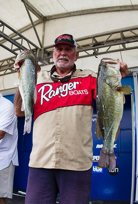 Co-angler John Jacobs takes the lead thanks to his day two catch of 17-pounds, 6-ounces.