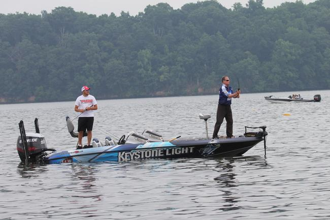 Bobby Padgett, a ledge specialist on Lake Eufaula, felt right at home on Pickwick.