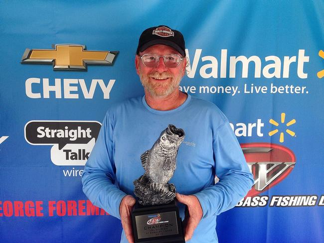 Co-angler Darrell Carroll of Independence, Ky., won the July 26 LBL Division event on Kentucky-Barkley Lakes with a limit weighing 19 pounds, 14 ounces to earn a check worth close to $2,000.