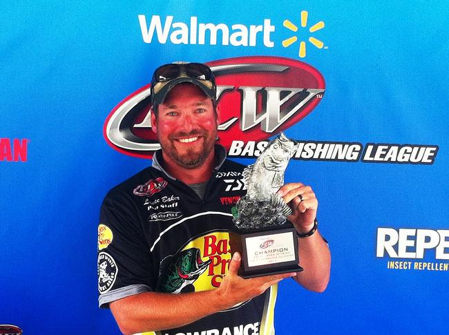 Flw fishing walmart bass fishing league 2014 for How much are fishing license at walmart