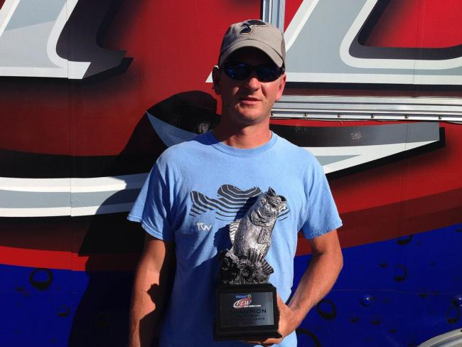Co-angler Kyle Radake of Cape Girardeau, Mo., won the Sept. 20-21 LBL Division Super Tournament on Kentucky-Barkley Lakes with a two-day total weight of 32 pounds, 6 ounces. Radake took home over $2,400 in winnings for his efforts.