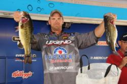 Todd Castledine of Nacogdoches, Texas, is one step closer to claiming the Texas Division points title with 16 pounds for fifth place after day one
