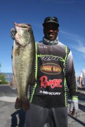 Co-angler Dante Ray of Sparks, Nev., moved to the top of the leaderboard on day two of the Rayovac FLW Series event on Clear Lake.