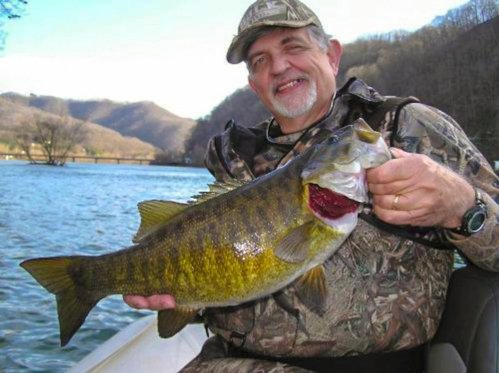 5 best smallmouth destinations flw fishing articles for Smallmouth river fishing