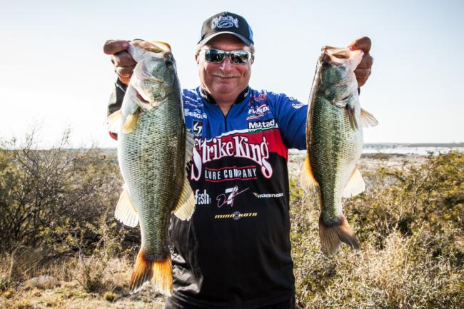 Del Rio pro Denny Brauer dropped a couple of spots in the standings today. He never got the big bite that he needed to maintain his day-one lead.