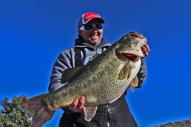 Flw fishing chickamauga yields what may be new tennessee for Bass fishing tournaments in florida