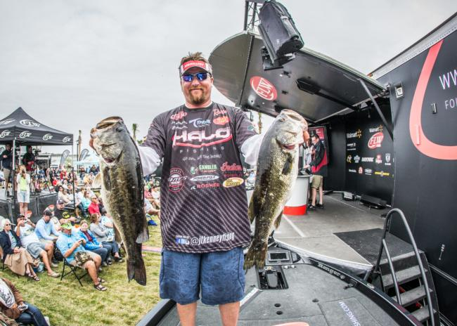 /news/2015-03-06-kenney-extends-lead-at-walmart-flw-tour-opener-on-lake-toho-presented-by-mercury
