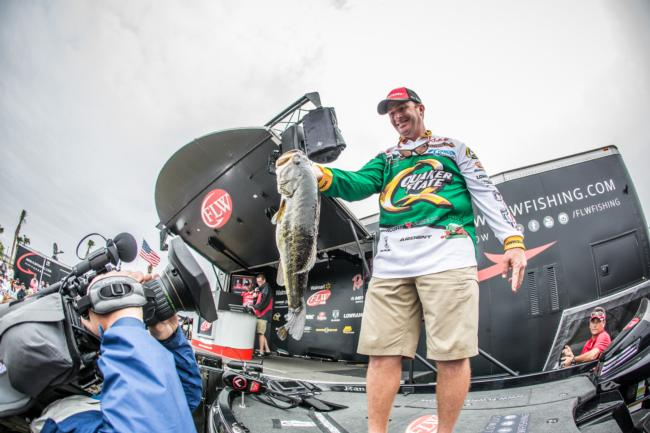Scott Canterbury is charging into the weekend. He caught 19-3 today to add to 19-1 yesterday and is now in third place.