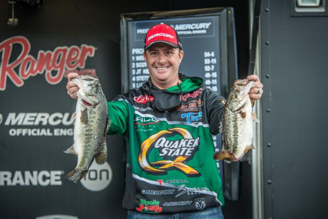 Quaker State pro Scott Canterbury weighs 14-13 on day three of the FLW Tour on Lake Toho to make the top-10 in third place.