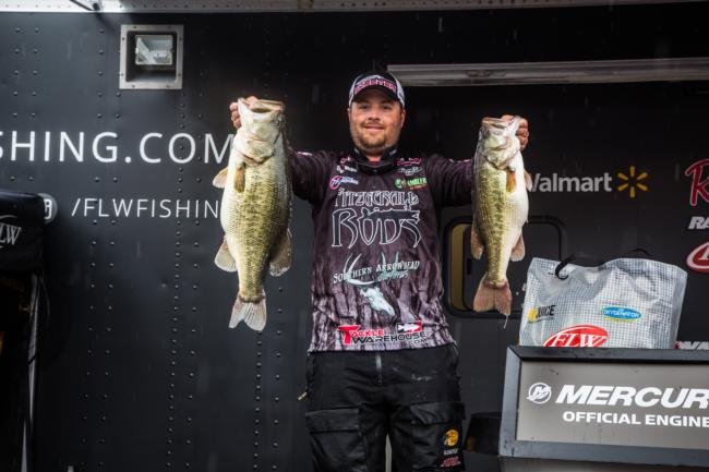 Trevor Fitzgerald hammered out an even 32 pounds to bring his total to 51 pounds, 14 ounces and rise to fourth place.